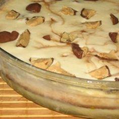 Receita de Torta sorvete sonho de valsa - 10 unidades de bombom, 3 unidades de ovo, 2 latas de leite condensado, 2 latas de leite- 4 colheres (sopa) de Nesc...