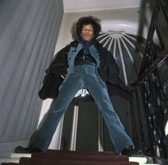 In December Jimi Hendrix sublet the famed 34 Montagu Square flat in London from Ringo Starr, but was evicted after only four months. Ringo Starr, Rolling Stones, Blues, Jimi Hendrix Experience, Psychedelic Music, Dangerous Minds, Eric Clapton, Shows, Its A Wonderful Life