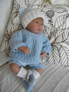 X Baby Knitting Patterns, Knitting For Kids, Crochet For Kids, Knit Crochet, Crochet Hats, Crochet Doll Clothes, Knitted Dolls, Layette Pattern, Tricot Baby