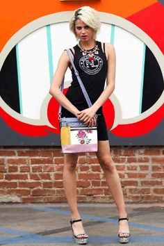 1000 images about handbags wholesale on pinterest for Lashowroom