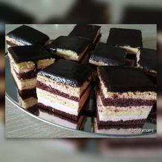 Méteres kalács kocka – Betty hobbi konyhája Winter Food, Fudge, Sweet Recipes, Food To Make, Cheesecake, Good Food, Dessert Recipes, Food And Drink, Cooking Recipes