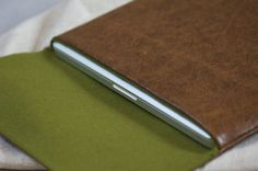 MacBook Leather Sleeve / Case    The Hand Flattering Edition    #macbook #macbookpro #apple #gadget #sleeve