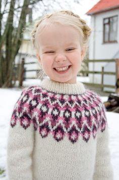 Stricken Blossi Icelandic lopi sweater/lopapeysa pattern by Sarah Dearne – Stricken Creative Knitting, Knitting For Kids, Crochet For Kids, Free Knitting, Knit Crochet, Free Crochet, Motif Fair Isle, Fair Isle Knitting Patterns, Sweater Patterns