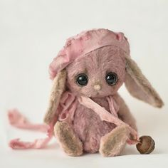 """Lisi"" little bunny - OOAK / Teddy Bears & Pals / By Anzhelika Costin at Bear Pile Cute Bear, Cute Bunny, Bunny Bunny, Easter Bunny, Felt Animals, Cute Animals, Little Doll, Soft Sculpture, Felt Art"