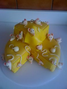 Cheese. Cake.