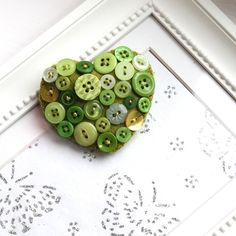 Heart brooch - Hand stitched felt and buttons - green - FREE UK PP £7.95