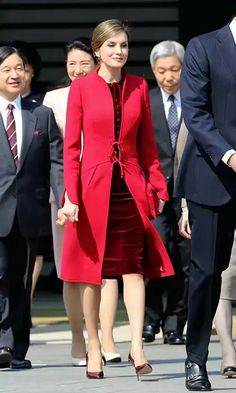 King Felipe IV and his wife Queen Letizia of Spain with Japanese Emperor Akihito, Empress Michiko, Crown Prince Naruhito, Crown Princess Masako and Japan's Prime Minister Shinzo Abe and his wife Akie Abe attend a welcome ceremony for the Spanish royal couple at the Imperial Palace on April 5, 2017 in Tokyo, Japan.