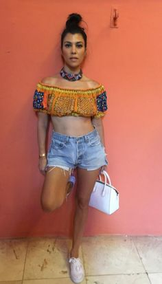 ♥ Pinterest: DEBORAHPRAHA ♥ Kourtney Kardashian summer outfit in Cuba