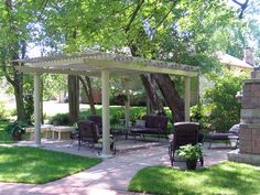 Pergola For Car Parking Info: 9597724098 Aluminum Pergola, Metal Pergola, Pergola Kits, Metal Roof, House With Porch, House Roof, Free Standing Pergola Plans, Outdoor Areas, Outdoor Structures