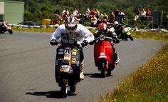 El circuito de A Madalena acoge el Campionato Galego de Motos Clásicas