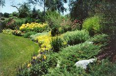 http://www.gardendesigninc.com/i/fit/400/420/3579/hillside-landscape-in-saucon-valley-large.jpg