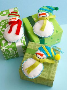 ✂ That's a Wrap ✂  diy ideas for gift packaging and wrapped presents - Felt Snowmen