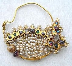 ...delicately beautiful...  http://www.gobuydigital.com/jewelry-from-india-gold/