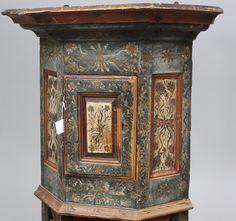 Bilder för 34014. HÖRNSKÅP, Allmoge, Norge, sannolikt Gudbrandsdalen, originalmålning, daterat 1798. – Auctionet
