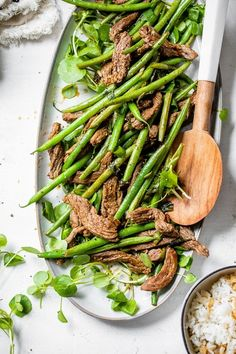 Beef Negimaki Stir Fry deconstructs beef negimaki (Japanese meat sushi) and serves it with green beans to make it a stir fry main dish. #stirfry