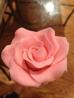 Make Fondant Rose How to Make Fondant Rose-easy guide! Can use gum paste tooHow to Make Fondant Rose-easy guide! Can use gum paste too Icing Flowers, Gum Paste Flowers, Fondant Flowers, Fondant Icing, Fondant Cakes, Cupcake Cakes, Cupcakes, Fondant Tools, Cake Decorating Techniques
