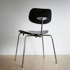 SE 68 chair, designed by Egon Eiermann