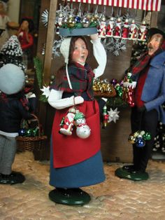 Byers' Choice Carolers - Woman Selling Christmas Ornaments