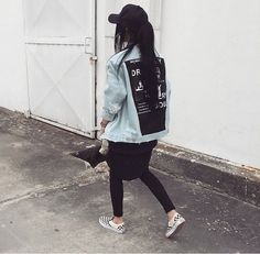 Discover recipes, home ideas, style inspiration and other ideas to try. Hip Hop Fashion, Tomboy Fashion, Fashion 101, Grunge Fashion, Urban Fashion, Girl Fashion, Fashion Outfits, Womens Fashion, Vans Fashion