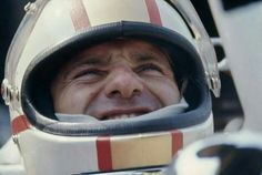 Mike Hailwood  (ph: deviantart.com)