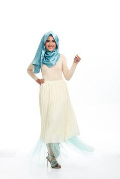 Walk like a Woman, Act like a Lady, Think like a Feminist.  #stylebysyaxseacitizen #seacitizencom   http://www.sea-citizen.com/stylebysya-daffodil-mint-tulle-skirt