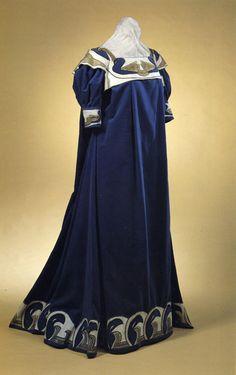 Henry van de Velde, tea gown, c. 1895