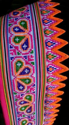 Hit Cross Stitch Bookmarks, Cross Stitch Borders, Cross Stitch Designs, Cross Stitching, Cross Stitch Patterns, Wool Embroidery, Cross Stitch Embroidery, Embroidery Patterns, Sewing Patterns