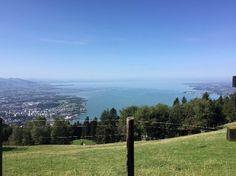 Pfänderbahn - Es ist ein super Ausblick den man sich nicht entgehen lassen sollte, wenn man schon mal in Bregenz ist. Die Berg und Talfahrt kostet 12,30€.