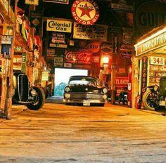 Great mix of cars and auto memorabilia. It's a museum garage. Old Garage, Barn Garage, Garage Art, Man Cave Garage, Garage Shop, Garage House, Garage Workshop, Workshop Ideas, Garage Plans