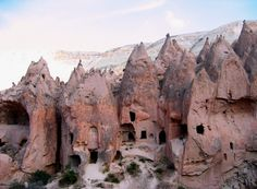 Trip to Cappadocia and Pamukkale from Istanbul Kusadasi, Capadocia, Cappadocia Turkey, Underground Cities, Vacation Home Rentals, Dream Vacations, Parc National, Turkey Travel, Places To See