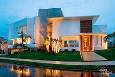 Decor Salteado - Blog de Decoração e Arquitetura : Fachadas de casas modernas com paisagismo e iluminação!