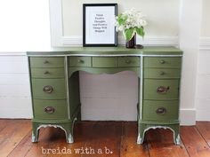 Milk Paint Desk {before and after} breidawithab.com