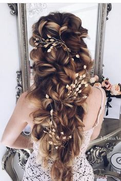 Ulyana Aster Long Wedding Hairstyles & Updos 3 / http://www.deerpearlflowers.com/romantic-bridal-wedding-hairstyles/3/