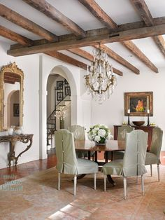 How to Decorate a Casual Dining Room Using the Color Red Dining Room Design, Dining Area, Dining Table, Dining Rooms, Cottage Chic, French Country House, Country Style, Farmhouse Style, Interior Decorating