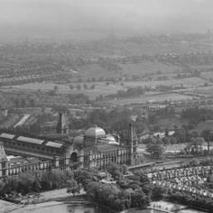 Part of the Aerofilms collection found on the Britain from Above site. Old Pictures, Old Photos, Vintage Photos, Vintage London, Old London, Alexandra Palace, As Time Goes By, Barnet, North London