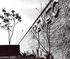 Detaili de la fachada, Edificio Tremec (Transmisiones y Equipos Mecánicos), 5 de Febrero 2115, Parque Industrial Benito Juarez, Santiago de Querétaro, Querétaro, Mexico  1965  Arq. Ricardo Legorreta -  Detail of the facade, Tremec building (Transmissions & Mechanical Equipment), 4 de Febrero 2115, Santiago de Queretaro, Queretaro, Mexico 1965