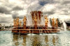 Spectacular Fountains from Around the World  photo