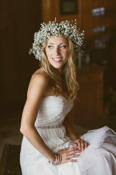 Baby's breath hair wreath for the bride #wedding #flowers #bride #wreath #babysbreath