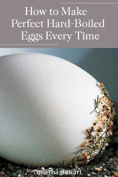 Hard Boiled Egg Recipes, Making Hard Boiled Eggs, Perfect Hard Boiled Eggs, Healthy Egg Recipes, Healthy Meals, Brunch Egg Dishes, Perfect Fried Egg, Egg Salad Sandwiches, Food Hacks