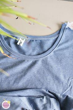 Kuinka huolitella pääntie kaksoisneulalla - Käsityökekkerit Woven Fabric, Knitwear, V Neck, Sewing, Pants, Fabrics, Amazing, Tops, Women