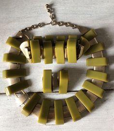 Art Deco Vintage Green Bakelite Gold Tone Necklace, Bracelet & Earrings Set #Unbranded #NecklaceBraceletEarrings