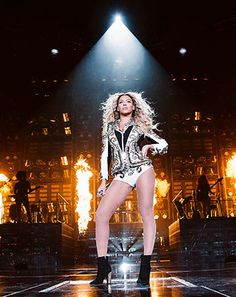 Video: #Beyonce ends the Mrs. Carter Show tour in Brooklyn http://usm.ag/JlsG1L