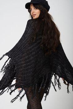 Black Metallic Knitted Draped Lagenlook Poncho Kimono With Tassels Asymmetric 1920 Flapper Dresses, 1920s Flapper, Christmas Jumpers, Evening Gowns, Tassels, Winter Fashion, Kimono, Metallic, Bridesmaid