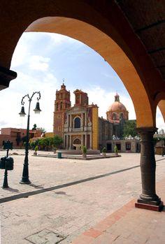 La bella plaza de #Tequisquiapan, #Queretaro. Poblado colonial lleno de encantos en #Mexico.