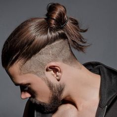 Arjuna 40 Coolest Viking Hairstyles: Most Sought Trendy Haircut For Men manbun Arjuna Coolest haircut Hairstyles man bun undercut Men Sought TRENDY Viking Trendy Mens Haircuts, Popular Haircuts, Cool Haircuts, Men's Haircuts, Hair And Beard Styles, Curly Hair Styles, Man Bun Styles, Man Bun Hairstyles, Viking Hairstyles