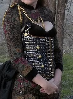 The Art of Can Tabistry: Steampunk Corset Reworked