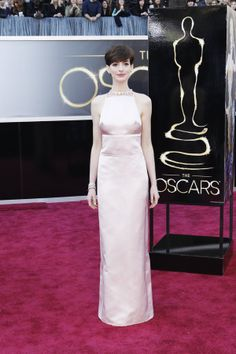 Red Carpet 2013   Oscars 2013     Anne Hathaway