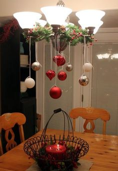 Christmas DIY: 50 Christmas Table D 50 Christmas Table Decoration Ideas Settings And Centerpieces For Christmas Table Noel Christmas, Christmas Projects, Winter Christmas, Christmas Ornaments, Christmas Trends, Hanging Ornaments, Christmas Kitchen, Elegant Christmas, Christmas Lights