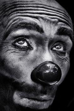♂ Black white photography man portrait The eyes of the clown by Camilo Alvarez Le Clown, Circus Clown, Creepy Clown, Clown Pics, Clown Nose, Black White Photos, Black And White Photography, Decoration Cirque, Send In The Clowns