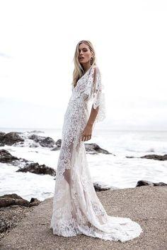 Made With Love Bridal - Mimi Wedding Dress Bridal Photoshoot, Bridal Shoot, Boho Bride, Boho Wedding, Wedding Rustic, Wedding Jewelry, New Wedding Dresses, Bridal Dresses, Happy Bride